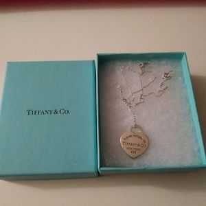 Return to Tiffany & Co heart necklace